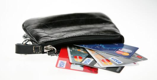 Det utstedes stadig flere kredittkort i Norge. Har du et bevisst forhold til hvilke kort du betaler med?  Foto: Per Ervland