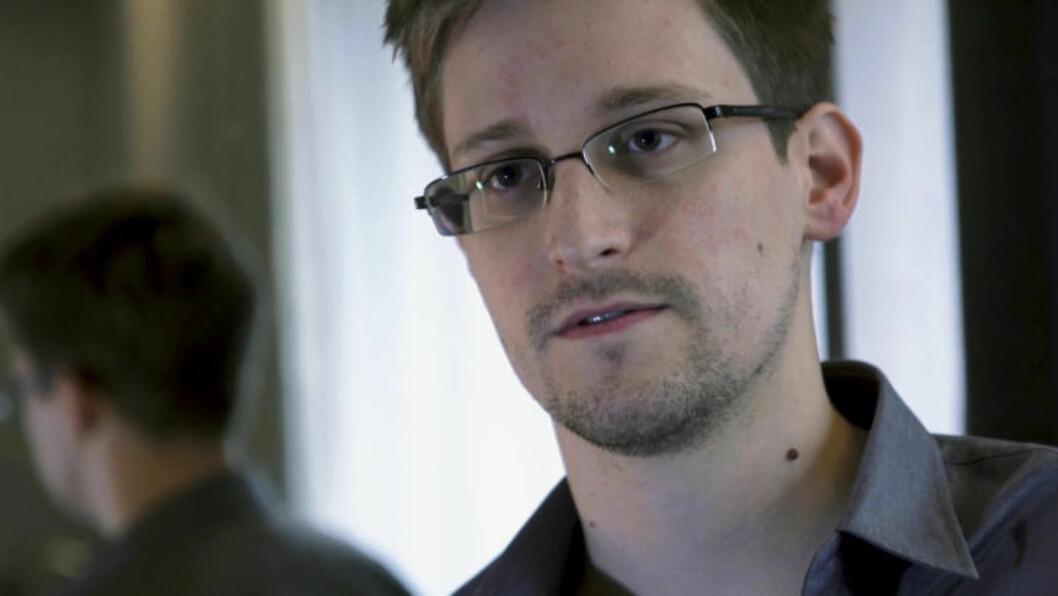<strong>- IDEALIST:</strong>  Forfatter Luke Harding sier Edward Snowden (bildet) er en idealist som var villig til å dø for å avsløre den massive overvåkningen han var vitne til.  Foto: AP Photo