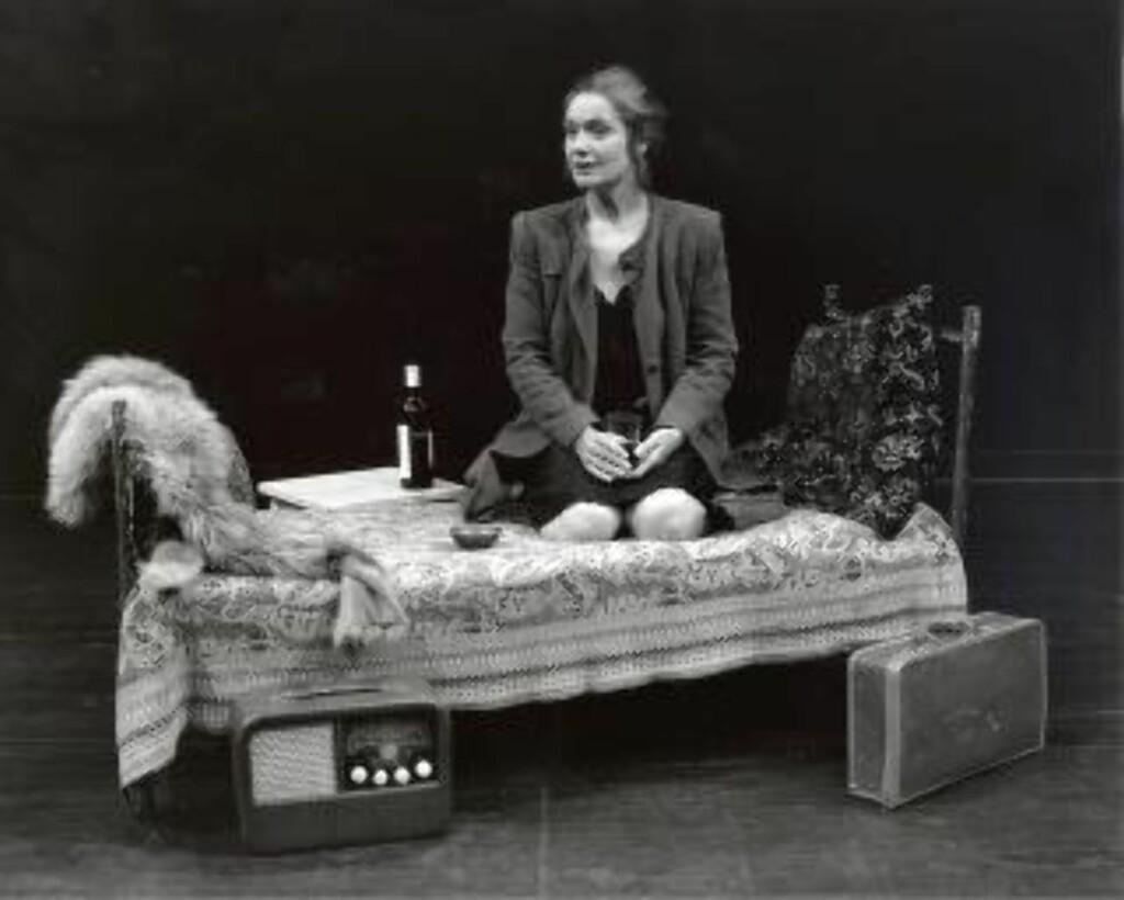 ANDRE GANG: Ragnhild Hilt gjentok monologen «Av måneskin gror det ingenting» som 51-åring i 1996. Foto: Siggen Stinesen, Det Norske Teatret
