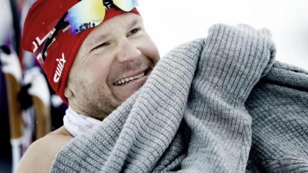 BLOD-FAN: I dag sitter Øystein Pettersen klistret til TV'en og heier på Ola Vigen Hattestad og Petter Northug. Foto: Bjørn Langsem