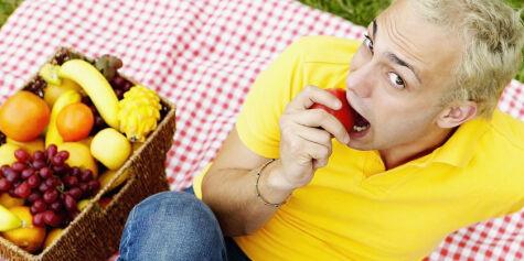image: 9 av 10 nordmenn spiser for lite frukt og grønt