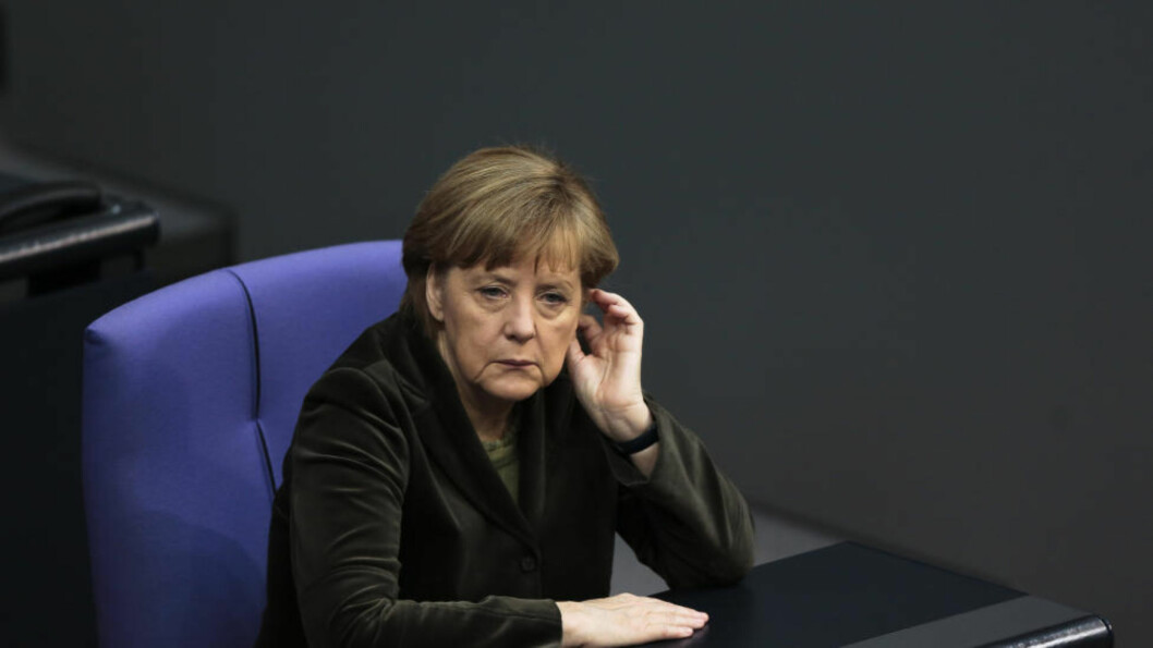 <strong>UKRAINA-APPELL:</strong> Tysklands forbundskansler Angela Merkel ber Ukraina om å finne en fredelig, politisk løsning på konflikten i landet. Appellen er i samarbeid med Putin og Obama. Foto: AP, Markus Schreiber.