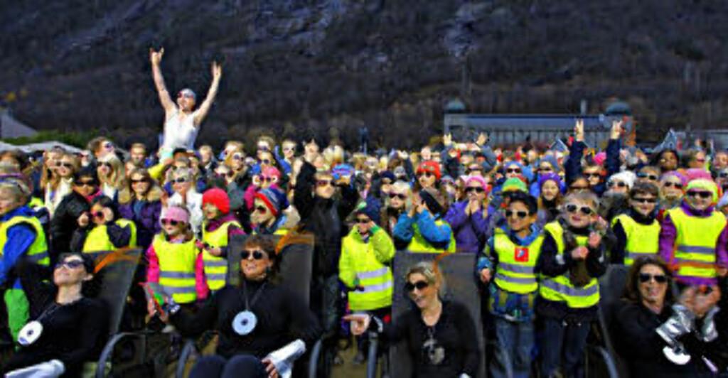 SOLA: Åpning av solspeilet på Rjukan ble en happening med solfylte og glade fjes. Foto: OLE C.H. THOMASSEN