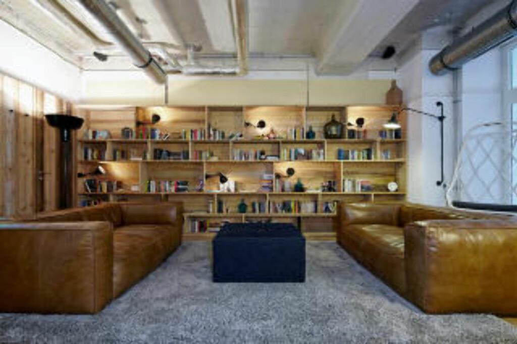 CHILL: Loungen i Generator Hostel i  Berlin. Foto: GENERATOR