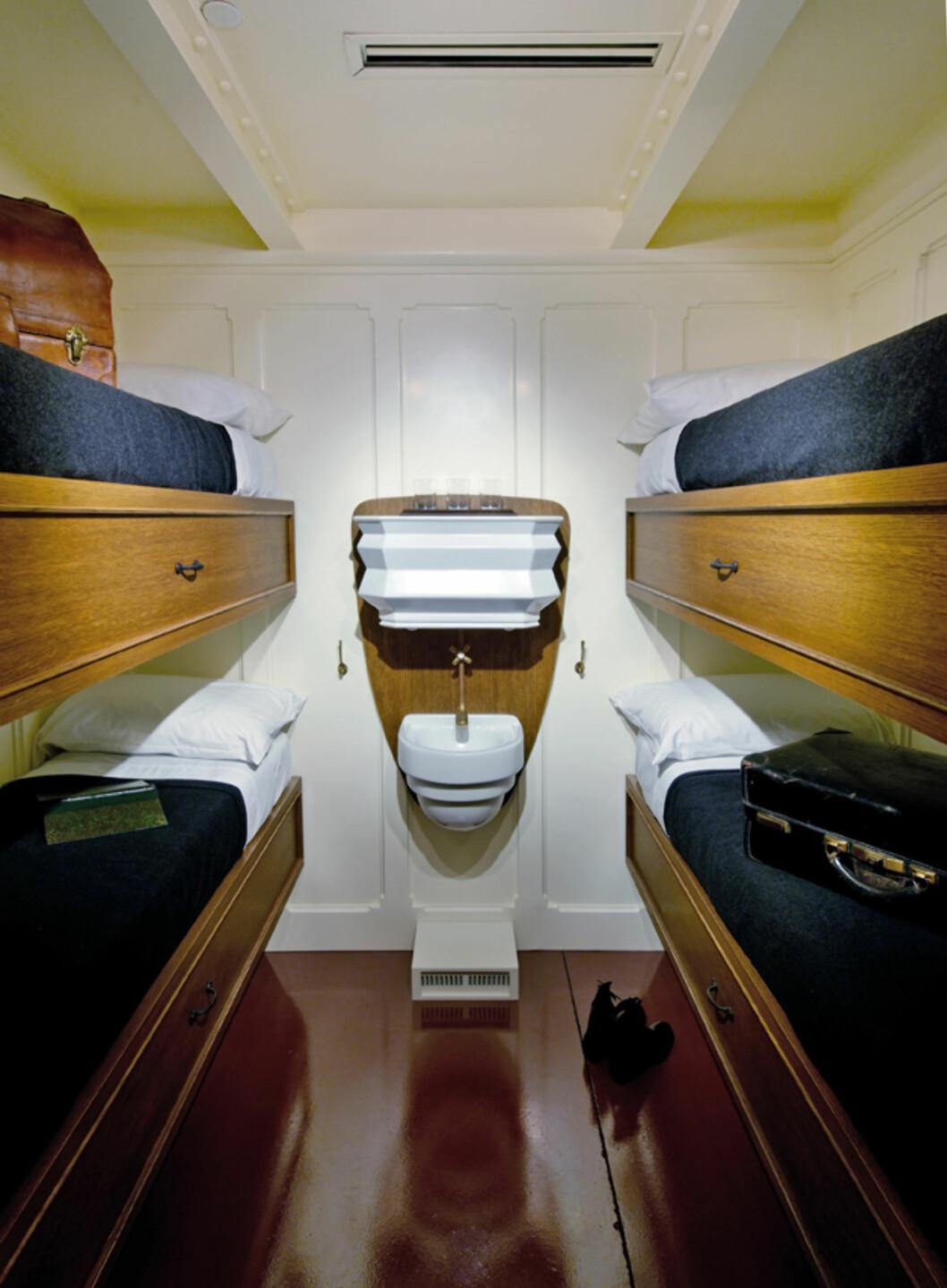 Slik så en trejdeklassekabin ut ombord Titanic. Foto: Titanic Pigeon Forge