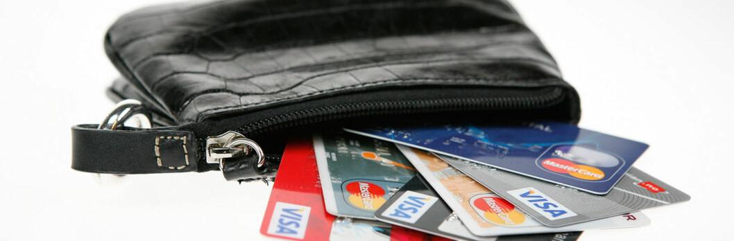 Noen kort bør bare ligge i lommeboka som reserve når du er på ferie. Foto: Per Ervland