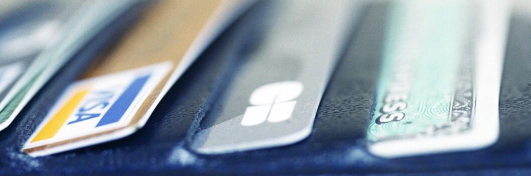 <strong><b>KREDITTKORT:</strong></B> Det kan være lurt å bruke kredittkort når du er ute og reiser. Foto: Colourbox