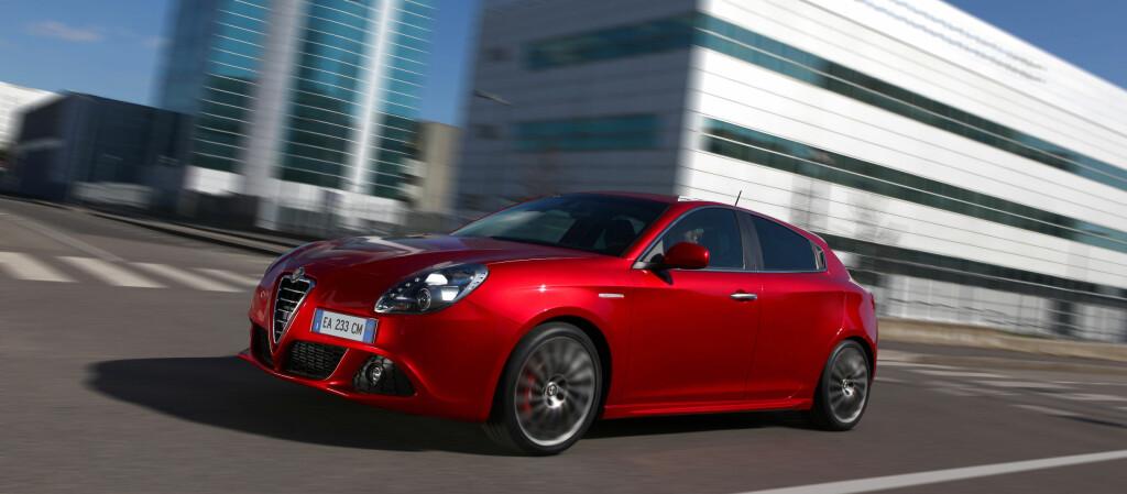Alfa Romeo Giulietta oppnår imponerende resultater hos Euro NCAP. Full pott i sidekollisjonstesten, neste beste resultat i stolpetesten, tangering av eksisterende voksenbeskyttelse-rekord, nest beste resultat i barnebeskyttelse-disiplinen og nest beste sammenlagtresultat noensinne. Foto: Alfa Romeo