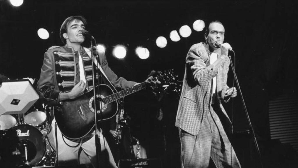 HITMAKERE:  Eivind Rølles (til venstre) og Lage Fosheim utgjorde bandet The Monroes. Sammen skapte de flere hitter, som fortsatt spilles på radio. Her opptrer de i Spikersuppa. Eivind Rølles og Lage Fosheim.   Foto: Annelise Jackbo/Dagbladet