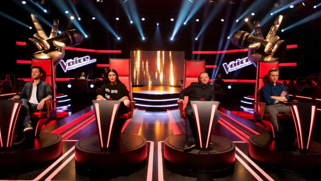 SANGSMINKING: Lyden i både «X Factor», «Idol» og «The Voice» blir jobbet med før den går ut av TV-høyttalerne i form av lydmiksing og klanglegging. Men det er bare i «The Voice» at TV 2 bruker autotune. Foto: TV 2