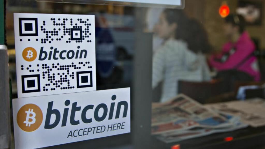GANGBAR VALUTA: I Waves Coffee House i Vancouver kan du nå bytte digitale bitcoins mot vanlig cash. Foto: REUTERS/Andy Clark