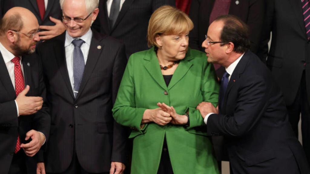 IKKE FORNØYD: Både Frankrikes president Francois Hollande (t.h.) og Tysklands statsminister Angela Merkel har reagert på USAs overvåkning. Foto: Reuters / NTB scanpix