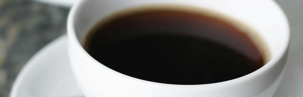 Kaffe kan få deg til å føle deg kvikkere, men det er ikke så smart å overdrive inntaket. Foto: Colourbox.com