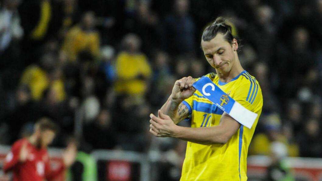 <strong> POSITIV - MEN HVOR LENGE?:</strong> Zlatan Ibrahimovic vil være 34 år under EM 2016. Han ga i natt blandede signaler på hvorvidt han vil være med Sverige på ferden dit. Foto: Erik Martensson / NTB Scanpix