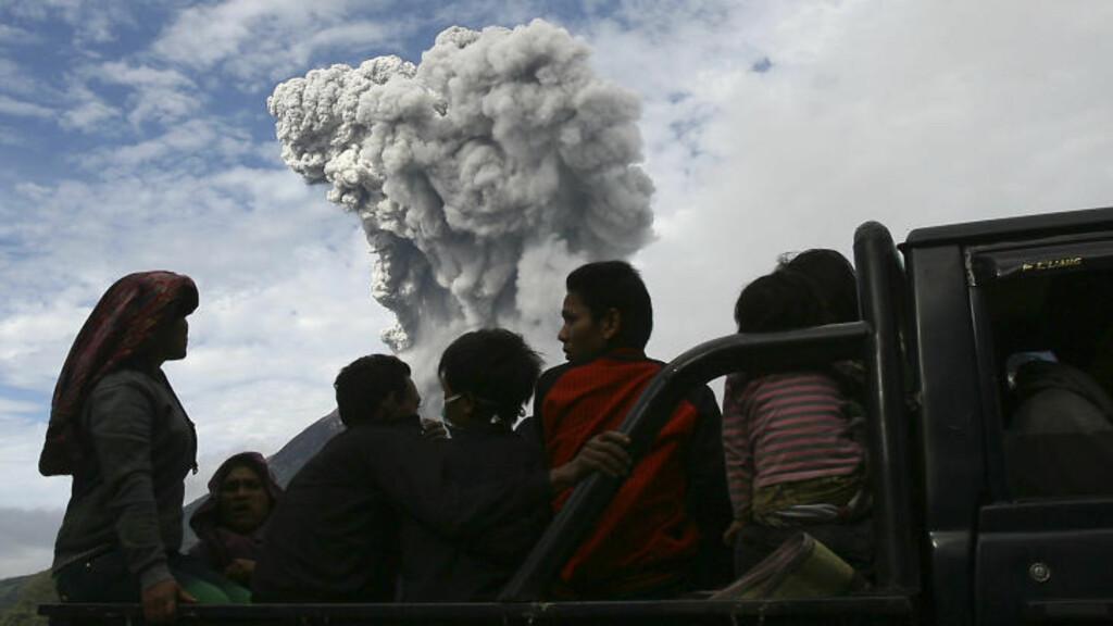 EVAKUERES: 15 000 mennesker blir nå evakuert. Foto: YT Haryono /Scanpix