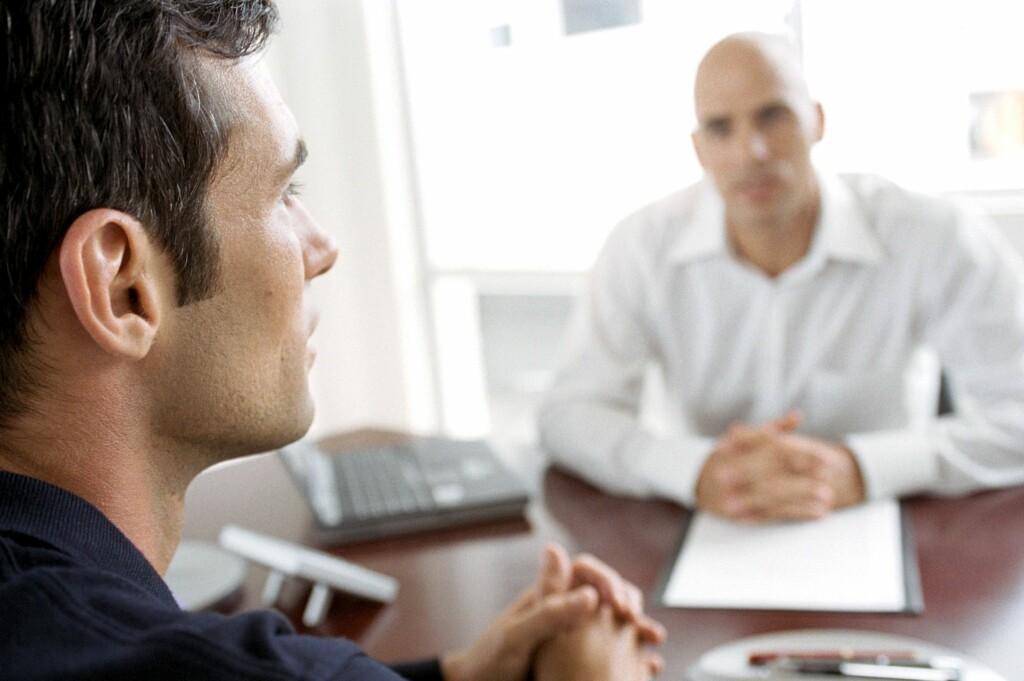 <B>HØYERE LEDIGHET:</B> Det er kamp om de beste arbeidsplassene, så det gjelder å imponere. Foto: Colourbox.com