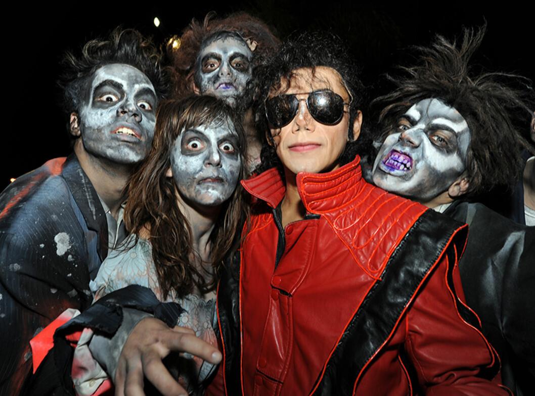 Joe Jackson alias José Márquez jobber som Michael Jackson.imitator til vanlig. Ikke vanskelig å finne kostyme til karnevalet da. Foto: Hans Kristian Krogh-Hanssen