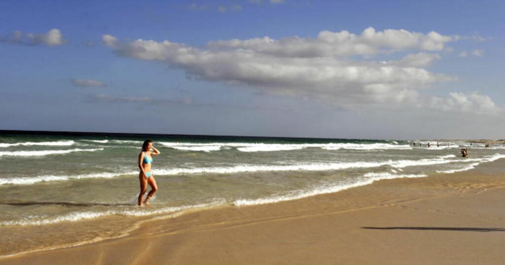 FUERTEVENTURA:  De milelange sandstrendene ved Corralejo blir ofte sammenlignet med str4endene på Cuba. Foto: JOHN TERJE PEDERSEN