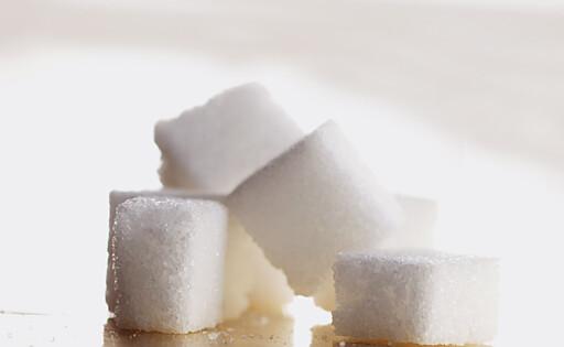 Sukker er tennenes verste fiende - men det er også alle andre former for karbohydrat. Foto: colourbox.com