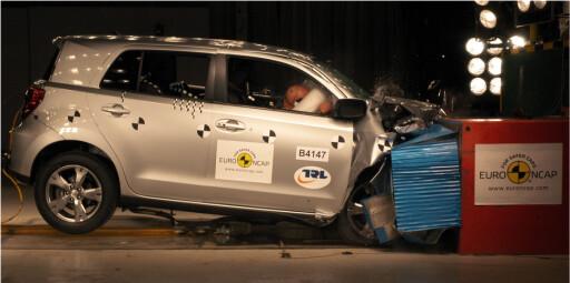 Toyota Urban Cruiser i frontkollisjon. Foto: Euro NCAP