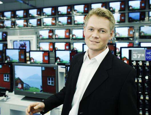 Christian Brekke, kommunikasjonsrådgiver i Elkjøp, ønsker prisbevisste kunder velkommen til Elkjøp.
