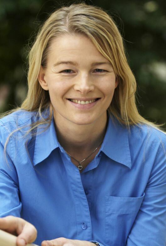 Kristin Paus i Postbanken oppfordrer både kunder og butikker til å ta chipen på alvor. Foto: Postbanken