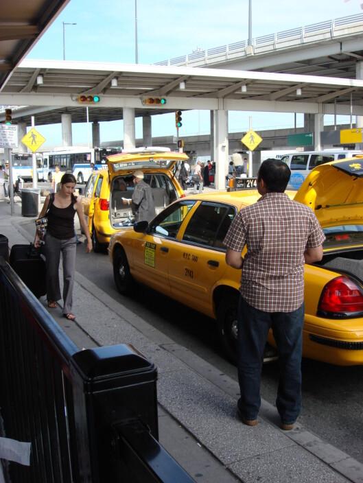 <b>Sparer 19 kroner</b> Taxi fra Newark til Manhattan koster $75. Det var 470 kroner tirsdag, 451 kroner torsdag.