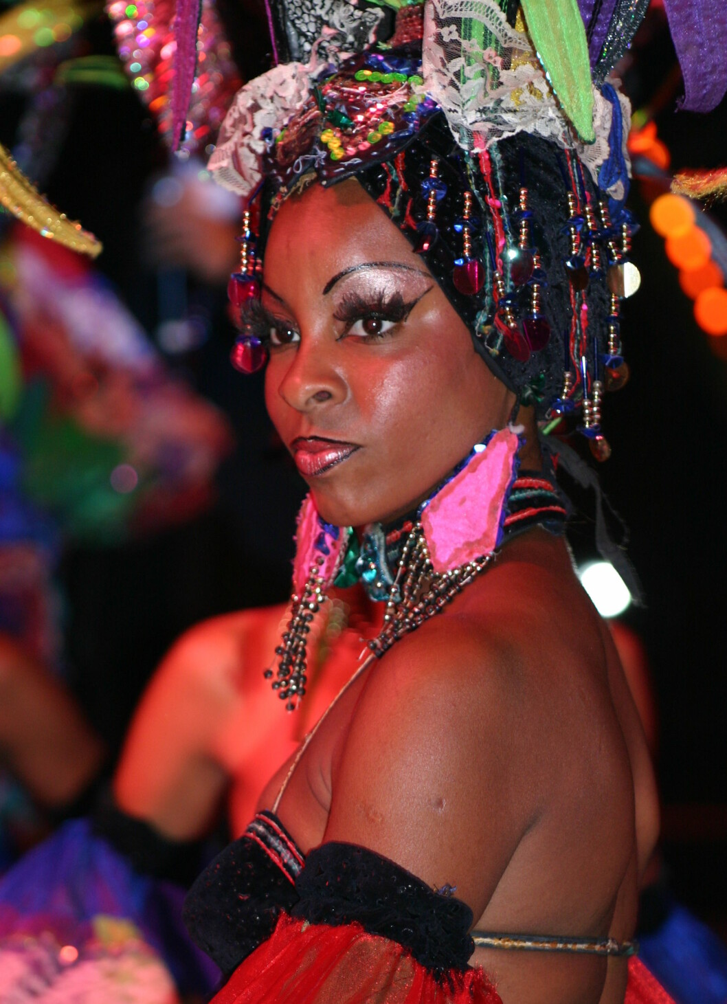 <strong>Tropicana show:</strong> Samba, salsa og sigar. Foto: Tove Andersson