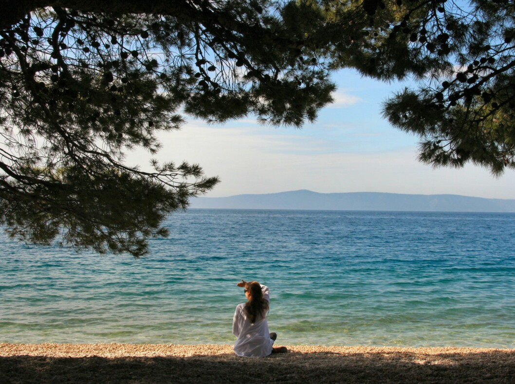 Kroatia lokker med sol og krystallklart vann. Her fra de sørlige Dalmatinerne, som er Kroatias mest populære kyststrekning. Foto: Stine Okkelmo
