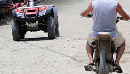 De er ikke så nøye med å registrere alle kjøretøyer i Costa Rica - i hvert fall ikke på landsbygden.  Foto: Hans Kristian Krogh-Hanssen