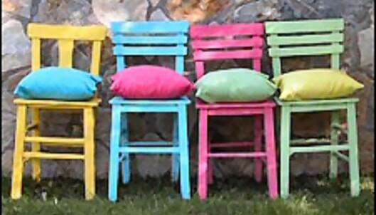 <strong>Med maling har du store variasjonsmuligheter:</strong> Hvem sier du må male alle møblene i samme farge? <i>Foto og styling: Tone Solheim/ifi.no</i>