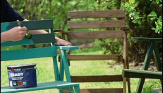 Trykkimpregnert tre kan (og bør) også males eller beises. <i>Foto: www.ifi.no</i> Foto: www.ifi.no