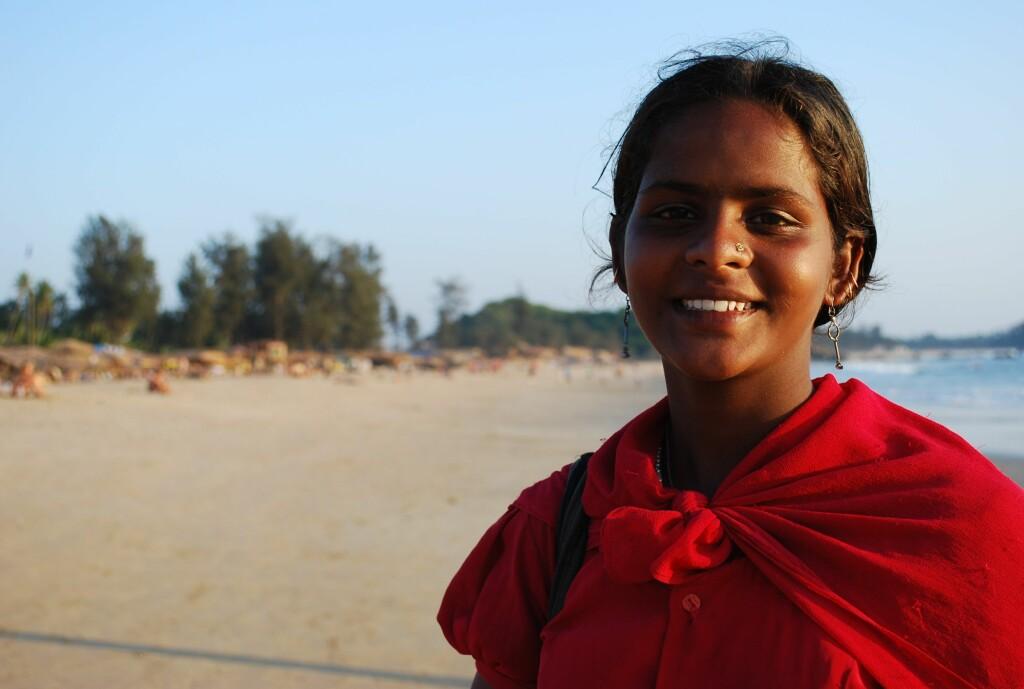Preema reiser til Goa hver vinter for å selge smykker. Hun har store fremtidsplaner - og de omfatter ikke mann og barn. Foto: Thomas H. Aastad