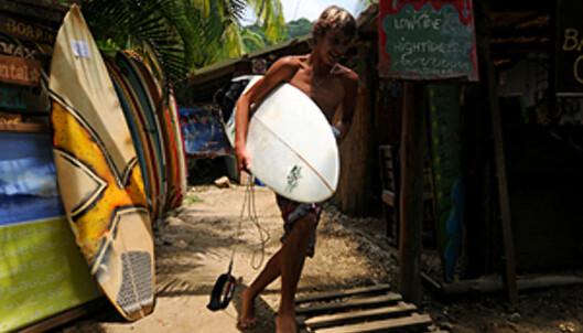 Mal País er et lite paradis for surfere. Med små hoteller og surfebutikker langs strandkanten. Du må likevel lengre nord for å få bølgene for deg selv.  Foto: Hans Kristian Krogh-Hanssen