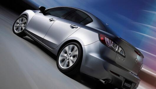 Store bilder av nye Mazda 3 sedan