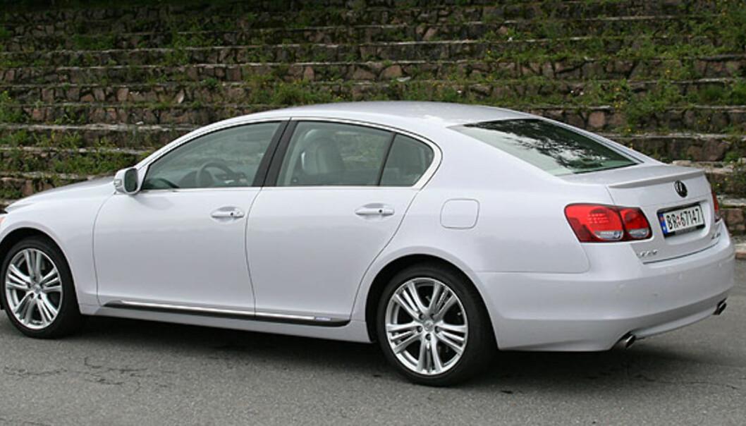 Store bilder av Lexus GS450h