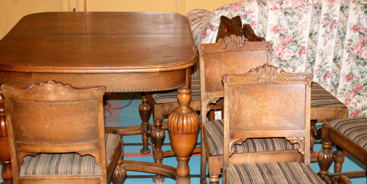Bord og stoler til spisestua for rundt 400 kroner. Hvis du er tidlig ute kan du få med deg de beste loppene. Foto: Synne Hellum Marschhäuser