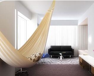 Sov i hengekøye på NY-hotell