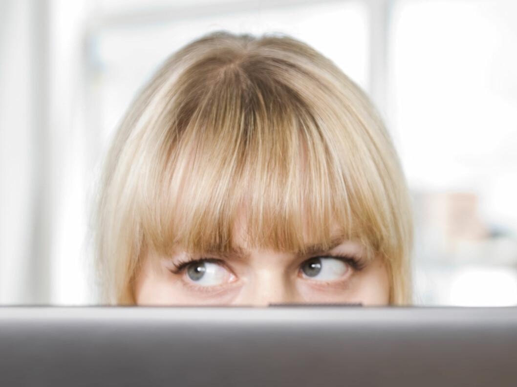 Ordføreren ønsker å lokalisere mindre pene kvinner for å anmode dem om å flytte til en gruvelandsby. Illustrasjonsfoto: colourbox.com