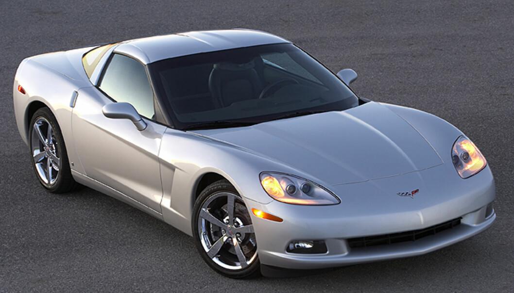 Supersportsbil til 250.000 kroner - i USA. Corvette lever fortsatt. I Norge, regn oppunder to millioner.