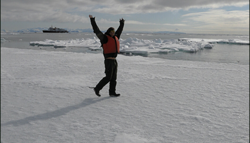 På kanten av drivisen som går til Nordpolen.  Foto: Hans Kristian Krogh-Hanssen