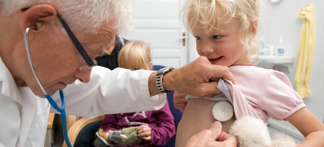 Alle vil få nødvendig helsehjelp i sommerferien, forsikrer Den norske legeforening. Illustrasjonsfoto: Colourbox