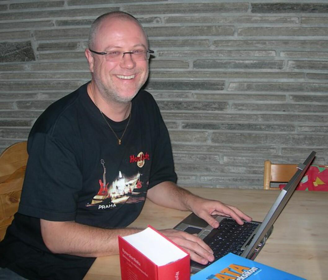 Yngve Spjeld Landro har hatt oversettelser som hobby de siste 12 årene.