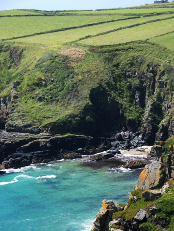 Klippedramatikk på Orkney. Foto: www.photito.com