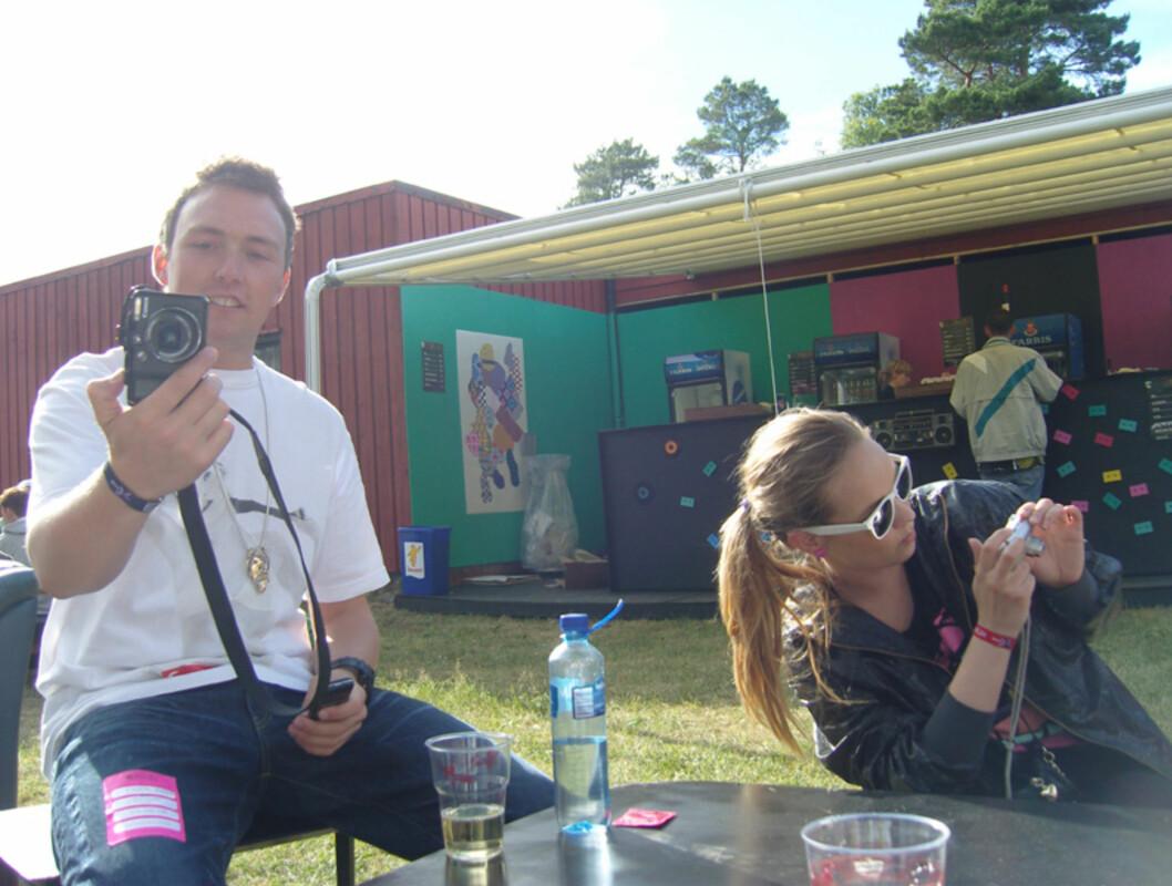 <strong>Jeg blogger deg, du blogger meg:</strong> Bookingansvarlig og arrangør Christoffer Hjelm, og blogge-dronningen Christine Dancke. Foto: Thomas Marynowski