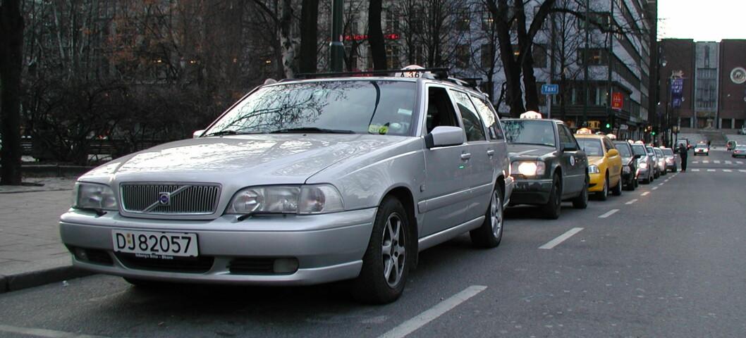 Taxinæringen scorer dårligst i en ny stor forbrukerundersøkelse.