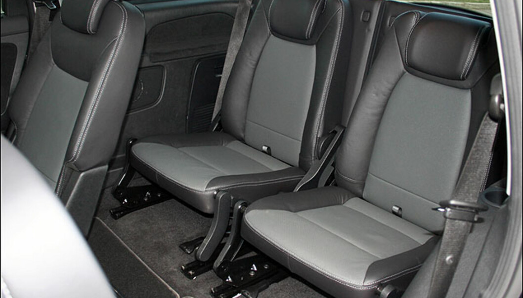 Separate seter på bakerste rad - passer best for småvokste.