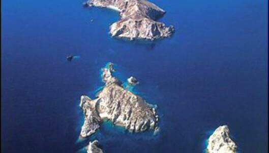 Helt øverst i bildet skimter du Palagruzas tårn. Foto: Lighthouses Croatia