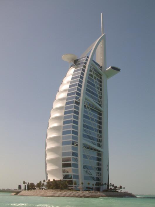 Burj Al Arab - det seilformede hotellet med syv stjerner. <i>Foto: Pravit Nuntanasirivikrom</i> Foto: Pravit Nuntanasirivikrom