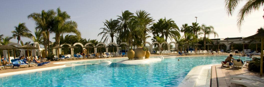 Klart du skal kose deg i ferien, men det er lov å være litt økonomisk. Foto: Colourbox.com